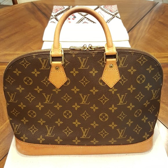 Louis Vuitton Handbags - Authentic Louis Vuitton Alma Pm Date Code BA0945 443b15333a765